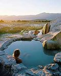 Travertine_hot_springs